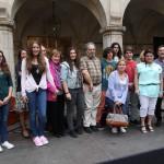 Representants de l'institut Marianao van recollir el premi Escoles Verdes // Ajuntament de Sant Boi