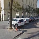 L'aparcament de la plaça de l'Ajuntament abans de ser convertit en zona blava // Street View Google Maps