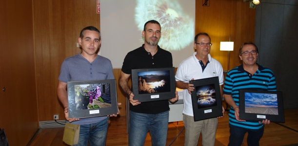 José Reyes Belzunce (segon per la dreta) amb els altres premiats al concurs Primavera Fotogràfica del Baix Llobregat // Consell Comarcal del Baix Llobregat