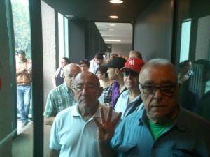 Miembros de la PAH Sant Boi durante la acción en los juzgados // PAH Sant Boi