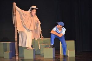 La Chinche va representar l'obra Galàpago el passat dimecres 15 d'octubre // Ensenyament Solidari
