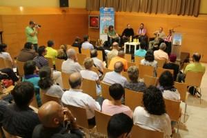 El públic va escoltar atentament les reflexions de Meir Margalit i Issa Amro // David Guerrero
