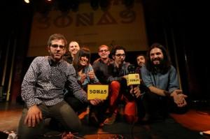 Els santboians Trau rebent el premi de música catalana Sona 9. // Carles Rodríguez