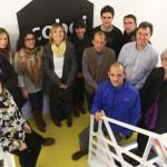 Participants a la segona llançadora de projectes d'economia social acompanyats de l'alcaldesssa Lluïsa Moret i el regidor de Desenvolupament Econòmic, José Ángel Carcelén // Ajuntament de Sant Boi