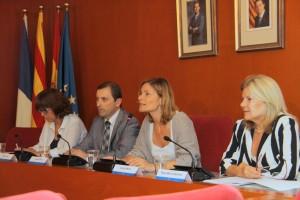 L'alcaldessa Lluïsa Moret  explicant com funciona el servei, durant la presentació oficial. // Ajuntament de Sant Boi