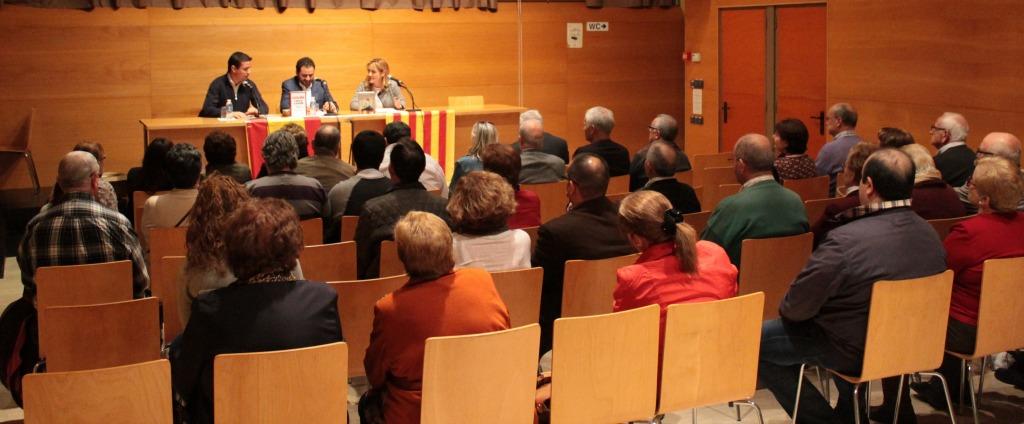 El público que asistió al acto eran en su mayoría afiliados santboianos y concejales de otros municipios // Maria Roda