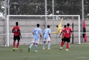 Jaume Albert fa una aturada al camp del Vilanova // David Ferrer - FC Santboià