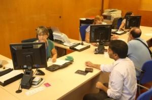 L'Oficina Municipal d'Atenció al Públic, situada a la planta baixa de l'Ajuntament, presenta un nou aspecte des de fa més d'un any. // Ajuntament de Sant Boi