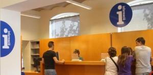 Oficina Municipal d'Atenció al Públic de l'Ajuntament de Sant Boi // Ajuntament de Sant Boi