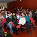 Els alumnes de l'escola, al moment de rebre el certificat CIF // Elisenda Colell