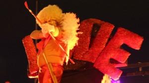 Cupido encapçalava la rua del Carnaboi 2015 // David Guerrero