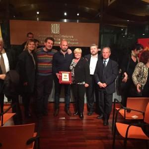 Els representants del Club Ciclista Sant Boi acompanyats de les autoritats // Ajuntament de Sant Boi
