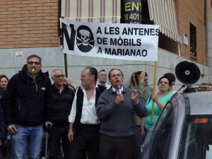 Veïns de Marianao durant la concentració contra la instal·lació de l'antena // Javi Sánchez