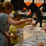 Els més petits també han participat de la votació // Elisenda Colell