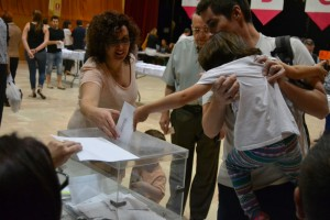 Una família, votant // Elisenda Colell