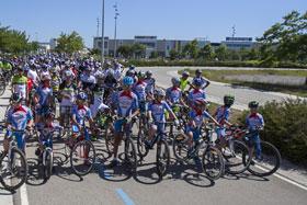 Els participants a la 34a Passejada amb bicicleta al Parc Ciclista // Ajuntament de Sant Boi