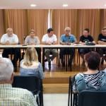 Representants dels diferents partits van participar en un debat al casal del barri Cooperativa // AAVV Cooperativa - Molí Nou