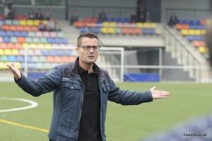 L'entrenador del Santboià es queixa de l'última decisió arbitral // FC Santboià