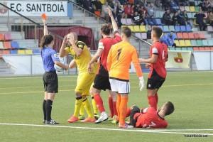 Moment on el jugador del Balaguer era expulsat // FC Santboià