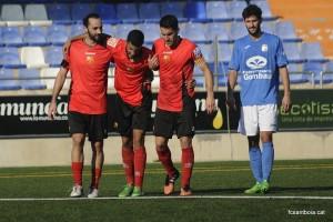 Omar abandona el terreny de joc lesionat // FC Santboià
