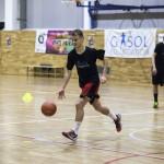 Una vintena de joves han participat en el clínic de bàsquet // Fundació Pau Gasol