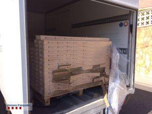 Imatge del camió amb els palets // Mossos