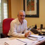 Juan Antonio Tamayo al seu despatx de l'Ajuntament // Marc Pidelaserra