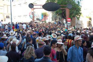 El correbars és un dels esdeveniments més multitudinaris de la Festa Major - Marc Pidelaserra