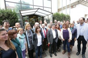 Representants polítics de PSC i ICV de la comarca en un moment de la concentració // PSC Baix Llobregat