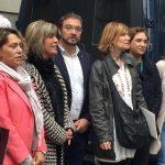 Lluïsa Moret (centre), amb altres alcaldes i alcaldesses de l'Àrea metropolitana durant la concentració // Diputació de Barcelona