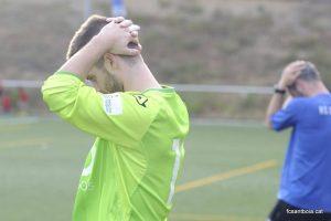 Jugadors del Santboià lamentant-se del resultat // FC Santboià