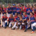 Les noies del CBS celebren el títol de Copa de la Reina // RFEBS
