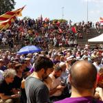 Panoràmica del públic assistent a l'acte d'En Comú Podem al parc de la Muntanyeta // David Cid