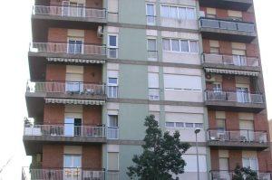 12 entitats financeres i empreses acumulen 81 pisos buits // Ajuntament de Sant Boi