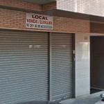 Els locals buits, com aquest de Riera Gasulla, podran ser habitatges // Marc Pidelaserra