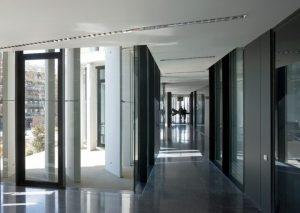 Interior de l'edifici dels jutjats // Estudi C-Duart