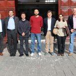 Foto de família dels representants de les ciutats argentines amb els de Sant Boi // Ajuntament