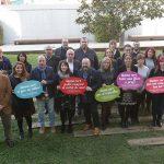 Foto de grup de representants municipals i comerços durant la presentació de la campanya // Ajuntament de Sant Boi