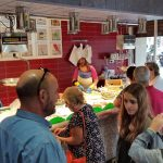 A la Peixateria Sala de Creació s'hi combina el negoci tradicional amb l'art contemporani // Peixateria Sala de Creació