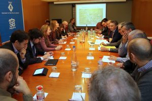 Imatge de la reunió mantinguda a l'Ajuntament de Sant Boi entre representants del Ministeri de Foment, dels ajuntaments, Diputació i Generalitat // Ajuntament de Sant Boi