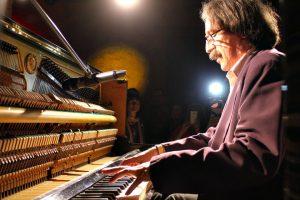 El pianista August Tharrats // Campari Milano