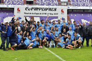 L'equip ha acelebrat al camp la victòria // Federación Española de Reugby