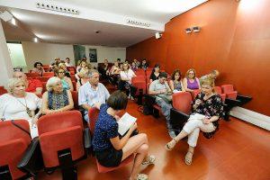 Ciutadans, regidors i l'alcaldessa s'han tancat a la sala de plens // Ajuntament de Sant Boi