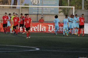 """Els jugadors de Pere """"Piti"""" Belmonte ho van intentar però van acabar caient a la segona part // David Ferrer / FC Santboià"""