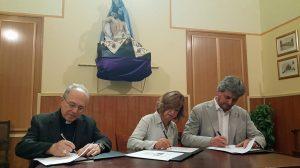Moment de la signatura entre les tres institucions // Diputació de Barcelona
