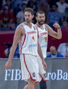 Els santboians Pau i Marc Gasol van tenir un paper destacat en la victòria // Federación Española de Baloncesto