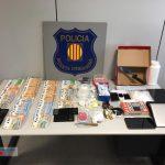 Els investigadors van detenir els quatre homes que hi havia en el moment de l'escorcoll // Mossos d'Esquadra